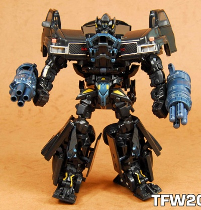 ironhide_toy01.jpg