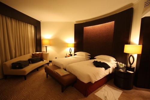 Z district burj dubai for Burj khalifa hotel rooms