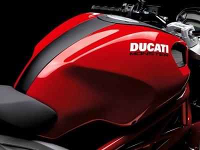 ducati-monster-696-4.jpg