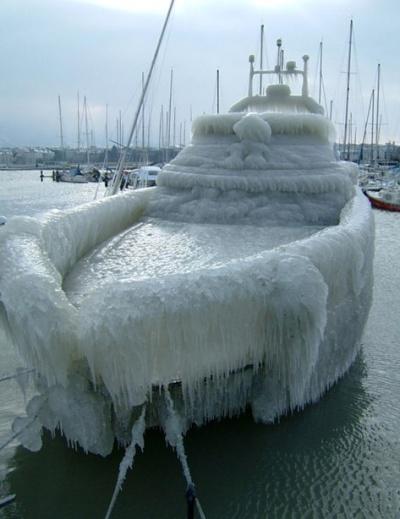 frozen_ship.jpg
